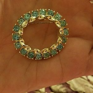 Price💚Drop Vintage Oval Brooch - Blue Rhinestones